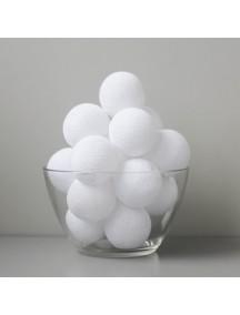 """Тайская гирлянда """"Белые шарики из ниток"""""""